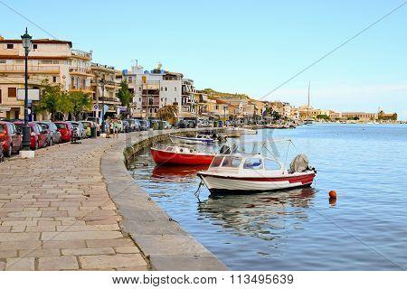 Esplanade alongside the bay in the town of Zakynthos