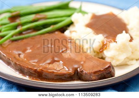 Fresh Roast Beef With Mashed Potatoes