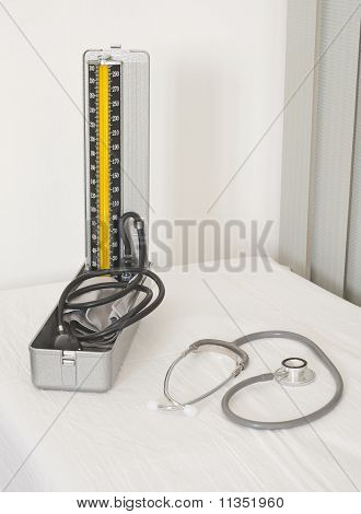 Estetoscopio y tensiómetro