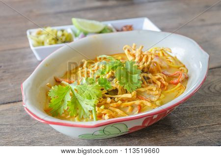 Khao Soi Recipe, Thai Northern Style Curried Noodle Soup With Chicken