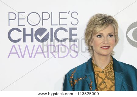 LOS ANGELES - JAN 6:  Jane Lynch at the Peoples Choice Awards 2016 - Arrivals at the Microsoft Theatre L.A. Live on January 6, 2016 in Los Angeles, CA