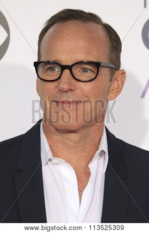 LOS ANGELES - JAN 6:  Clark Gregg at the Peoples Choice Awards 2016 - Arrivals at the Microsoft Theatre L.A. Live on January 6, 2016 in Los Angeles, CA