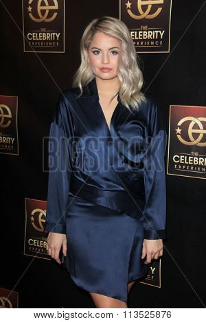 LOS ANGELES - JAN 6:  Debby Ryan at the The Celebrity Experience with Debby Ryan at the Universal Hilton on January 6, 2016 in Universal City, CA