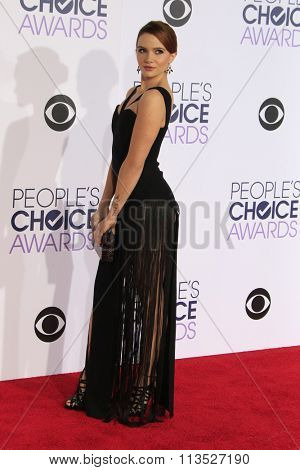 LOS ANGELES - JAN 6:  Katie Stevens at the Peoples Choice Awards 2016 - Arrivals at the Microsoft Theatre L.A. Live on January 6, 2016 in Los Angeles, CA