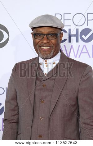 LOS ANGELES - JAN 6:  James Pickens Jr. at the Peoples Choice Awards 2016 - Arrivals at the Microsoft Theatre L.A. Live on January 6, 2016 in Los Angeles, CA