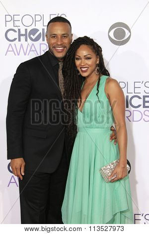 LOS ANGELES - JAN 6:  DeVon Franklin, Meagan Good at the Peoples Choice Awards 2016 - Arrivals at the Microsoft Theatre L.A. Live on January 6, 2016 in Los Angeles, CA