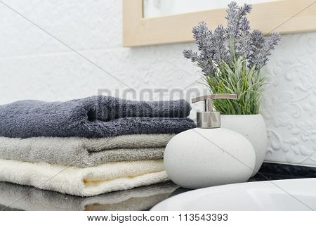 Soap Dispenser With  Towels