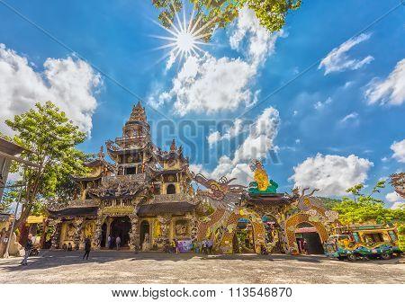 Architecture Linh Phuoc pagoda Crockery