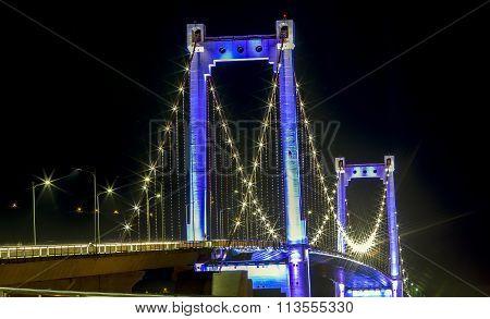 Close up Thuan Phuoc Bridge nightlife