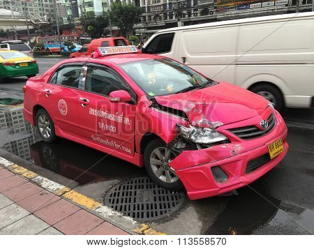 BANGKOK THAILAND - JAN 8 : An accident with a taxi ride in the morning of a working day on JANUARY 8