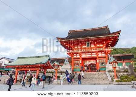 Traveler walking in the Fushimi Inari Taisha Shrine