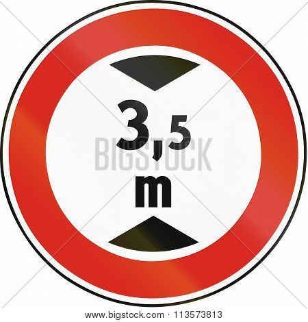 Road Sign Used In Slovakia - Height Limit