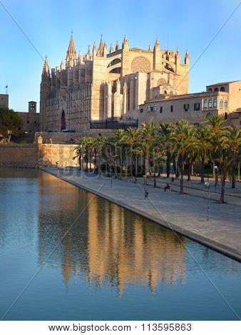 Catedral At Palma De Mallorca