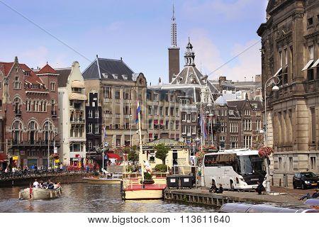 Amsterdam, The Netherlands - August 19, 2015: View On Rokin From Bridge Doelensluis. Street Life, Ca