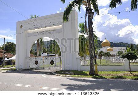 Arch gate of Seri Menanti Royal Tomb beside the Tuanku Munawir Royal Mosue
