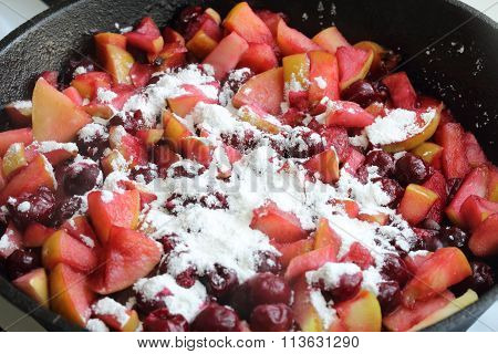 Preparation Of A Stuffing For Apple - Cherry Pie (strudel)