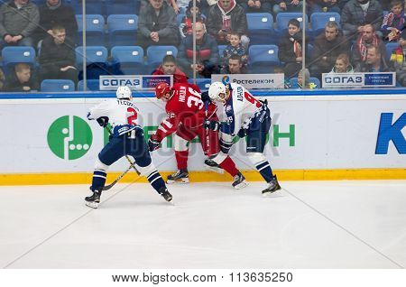 S. Yegorshev (2), A. Nikulin (36) And K. Ashton (9)