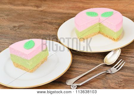 Raspberry Cheesecake Pistachio Nut on Sand-Based