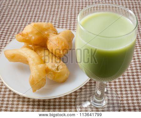 Deep Fried Doughstick With Soybean Milk