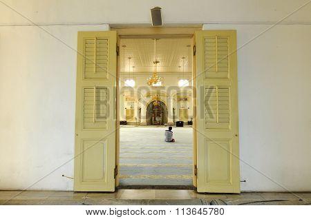 Main door of Sultan Abu Bakar State Mosque in Johor Bharu, Malaysia