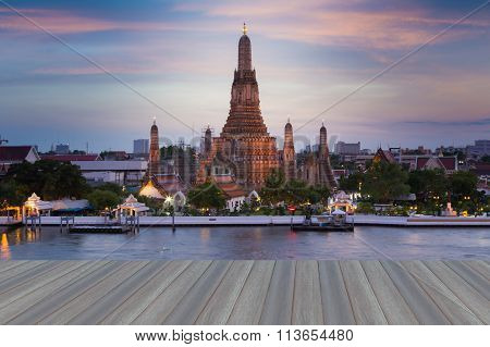 The Temple of Dawn called Wat Arun river front