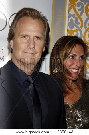 Kathleen Rosemary Treado and Jeff Daniels at the Los Angeles premiere of HBO's