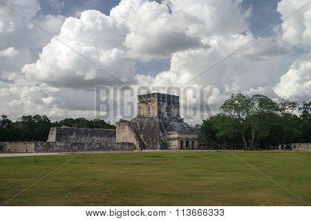 Maya Pyramid, Chichen-itza , Mexico