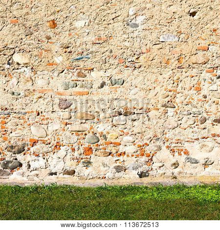 Italy  And Cracked  Step   Brick Grass   Background