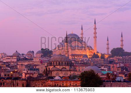 The Suleymaniye Mosque at dusk