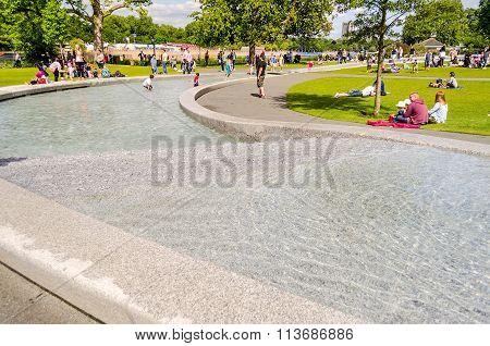 Diana, Princess Of Wales Memorial Fountain, London, Uk