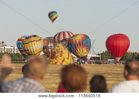 A lot of Air-Balloons Participating in International Aerostatics Cup