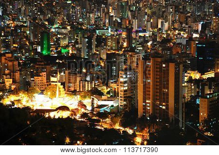 Belo Horizonte by night.