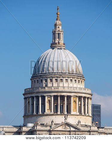 LONDON,  St. Paul's cathedral dome