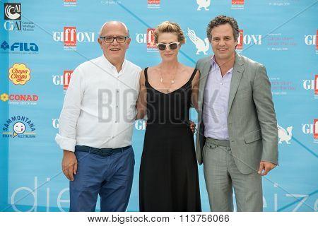 Actor Mark Ruffalo and wife Sunrise Coigney and Claudio Gubitosi