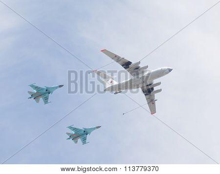 Il-78 And Two Su-34
