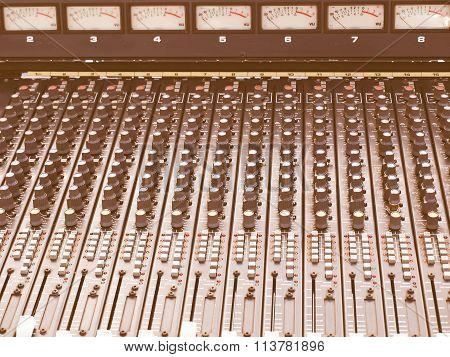 Soundboard Vintage