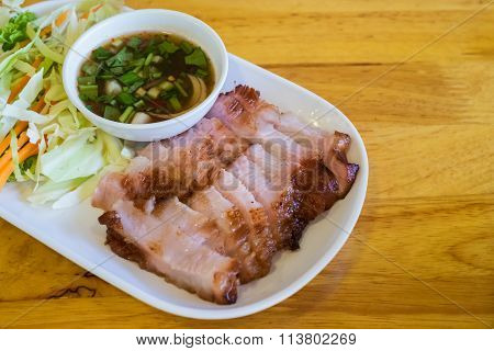 Charcoal-boiled Pork Neck And Spicy Sauce (grilled Pork)