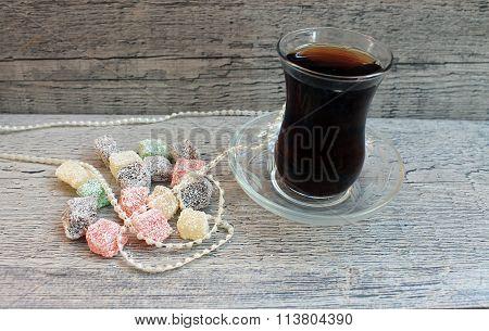 Turkish tea with lokum