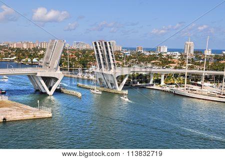 View of Fort Lauderdale with open bridge during sunny day