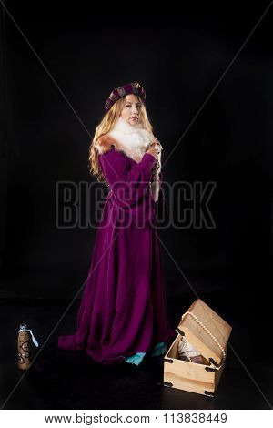 Medieval Noble Lady With Treasure Chest