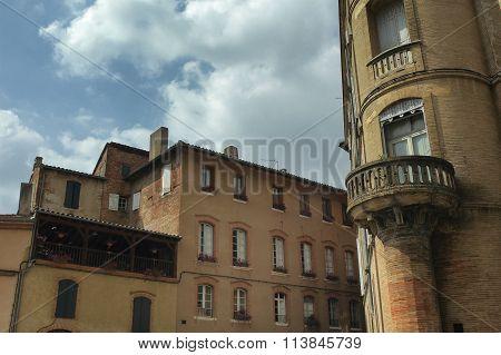 Gaillac (france), Historic Buildings