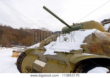 PONTE DI VEJA, VERONA - DECEMBER 12, 2012: Detail of a tank M4 Sherman in winter with snow. Monument to the tank drivers