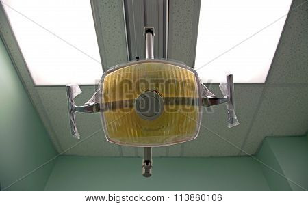 Dental Light Hung From Cieling