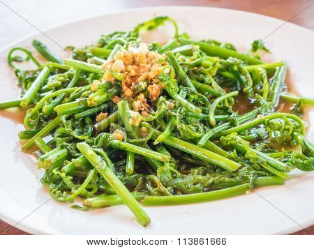 Vegetable freied with oyster sauce