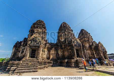Lopburi, Thailand - January 1, 2016: Traveler Visit At Phra Prang Sam Yod The Architecture Of Histor