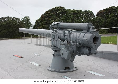 Gun, Auckland War Memorial