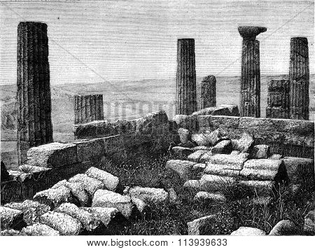 Remains of Juno temple at Girgenti, Sicily, vintage engraved illustration. Magasin Pittoresque 1876.