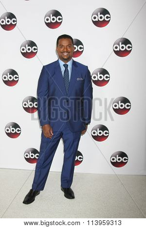 LOS ANGELES - JAN 9:  Alfonso Ribeiro at the Disney ABC TV 2016 TCA Party at the The Langham Huntington Hotel on January 9, 2016 in Pasadena, CA