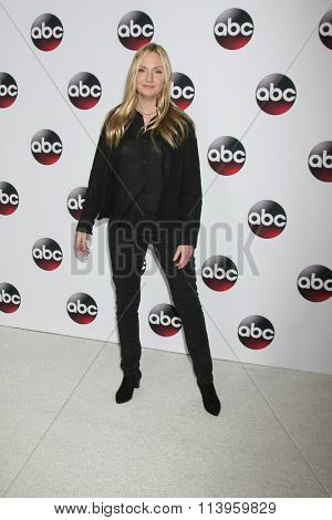LOS ANGELES - JAN 9:  Hope Davis at the Disney ABC TV 2016 TCA Party at the The Langham Huntington Hotel on January 9, 2016 in Pasadena, CA