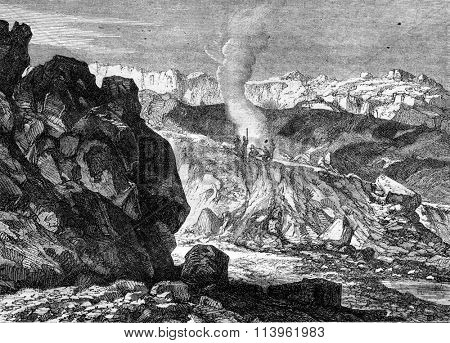 A crater of the Great Benare in the Reunion Island, vintage engraved illustration. Magasin Pittoresque 1869.